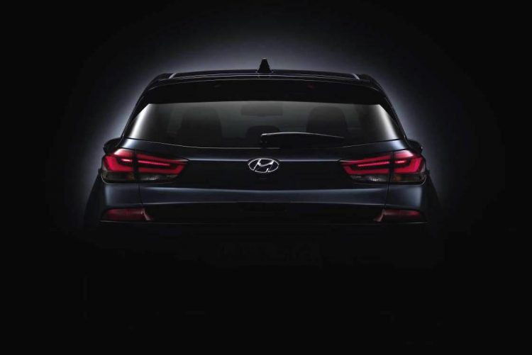 2017 Hyundai i30 teaser-rear