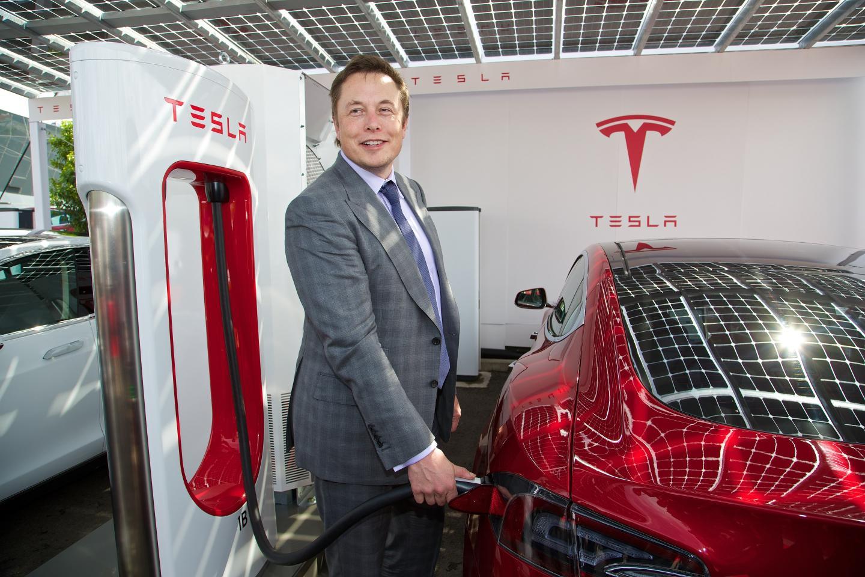 Elon Musk confirms Tesla is planning a minibus | PerformanceDrive