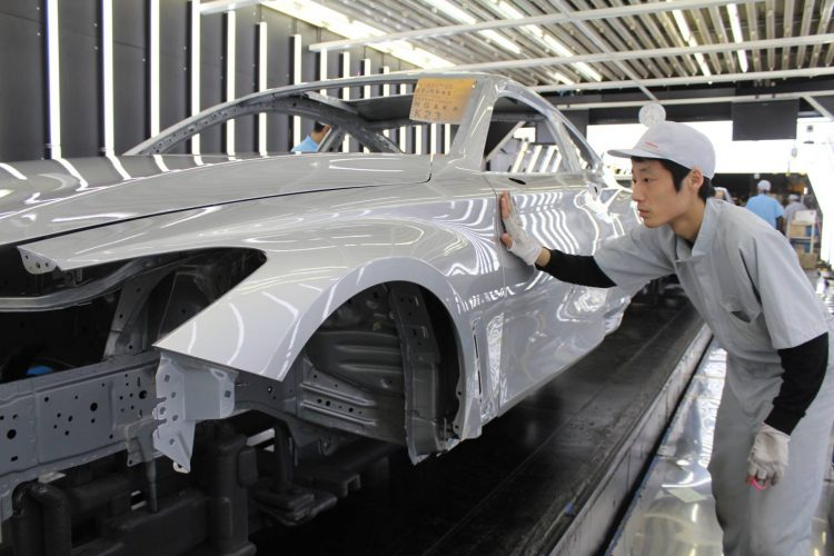 Infiniti Q60 production-body