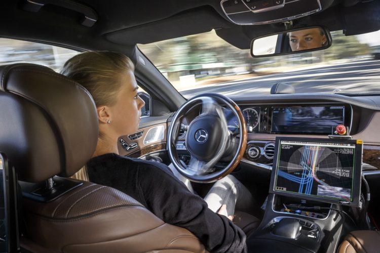 Mercedes-Benz S500 Inteligent Drive TecDay Autonomous Mobility
