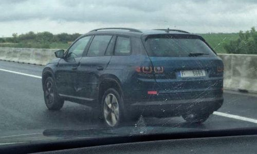 Skoda Kodiaq spotted in the wild, little disguise