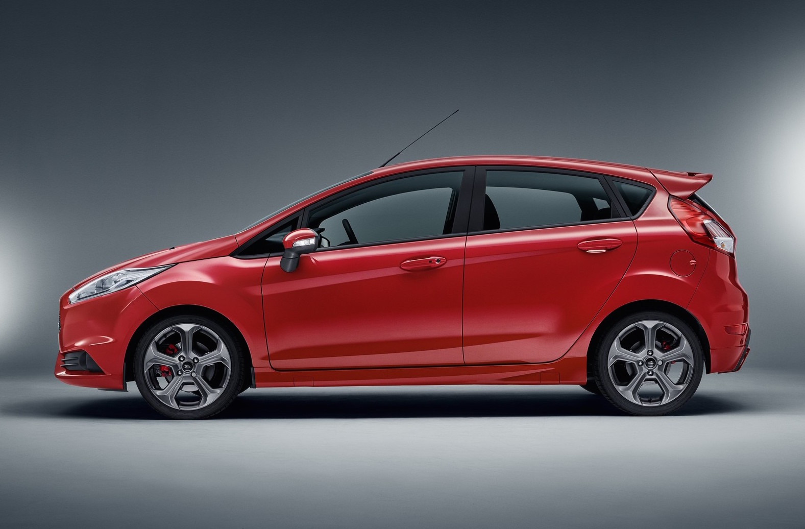 Ford Race Red >> Ford Europe announces five-door Fiesta ST | PerformanceDrive