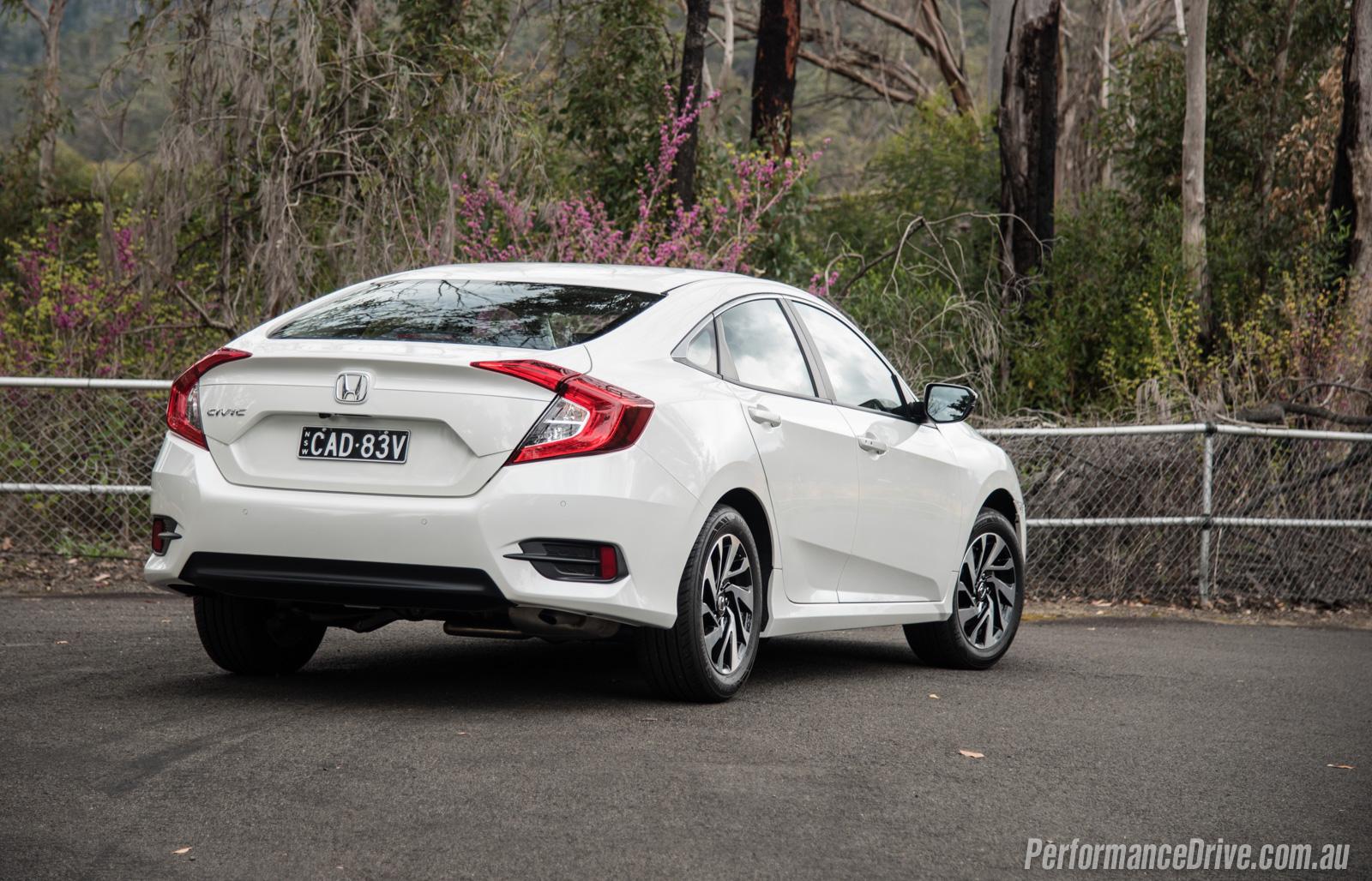 2016 Honda Civic VTi-S sedan review (video)   PerformanceDrive