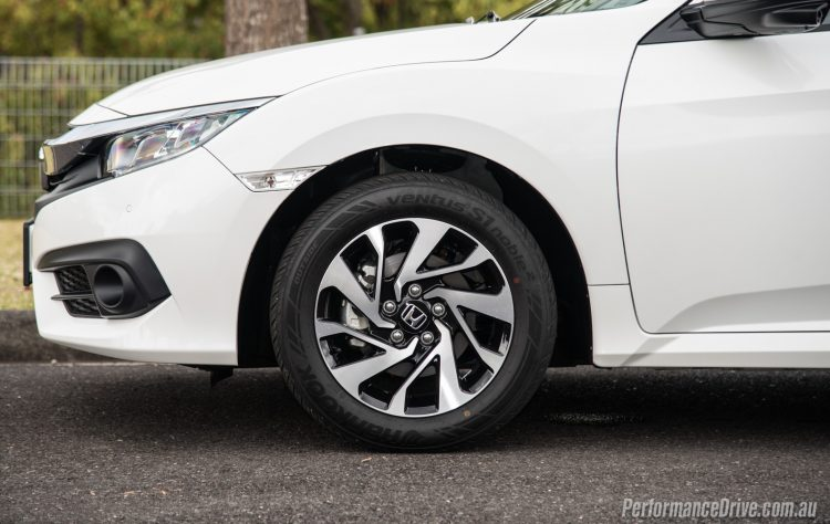 2016-honda-civic-vti-s-wheels