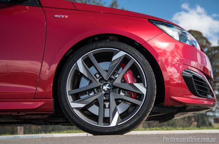 2016 Peugeot 308 GTi 270-19in wheels