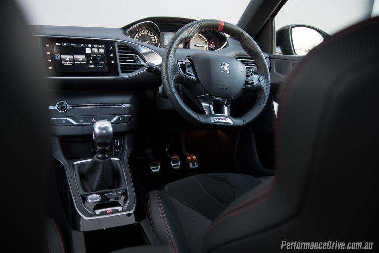 2016 Peugeot 308 GTi 270-cabin