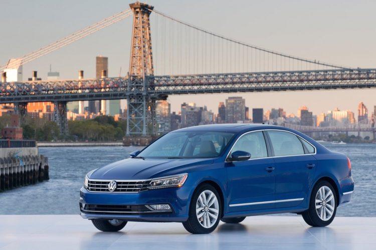 2016 Volkswagen Passat US-spec
