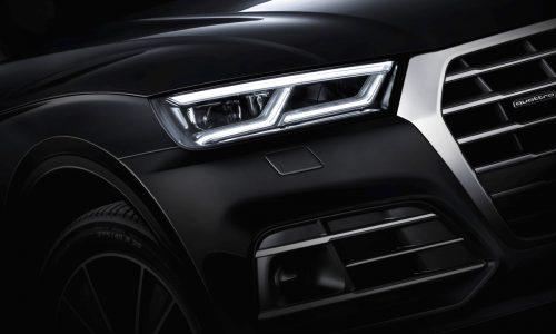 2017 Audi Q5 shows advanced headlights & boot (videos)