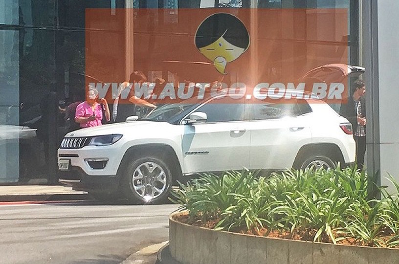 Next-gen Jeep Compass spotted during photo shoot