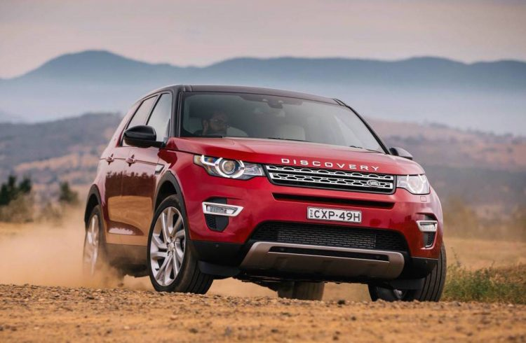 2017 Land Rover Discovery Sport-front