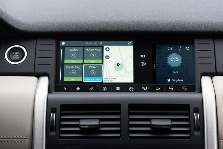 2017 Land Rover Discovery Sport-touchscreen