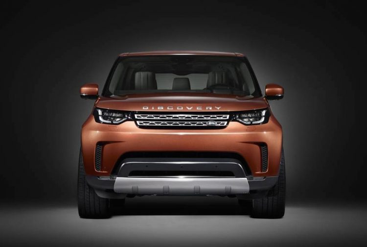 2017 Land Rover Discovery-front