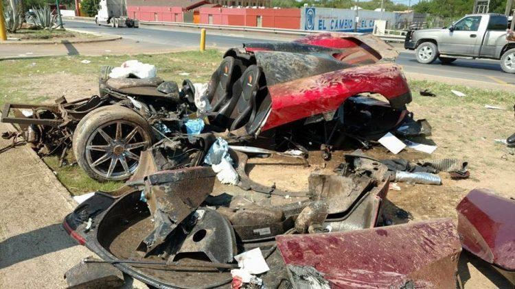 Koenigsegg CCX crash-Mexico-2