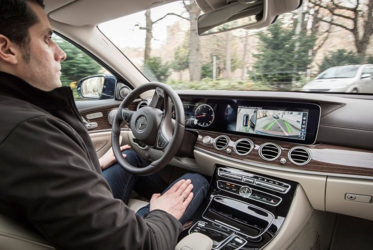 Mercedes-Benz E-Class autonomated steering