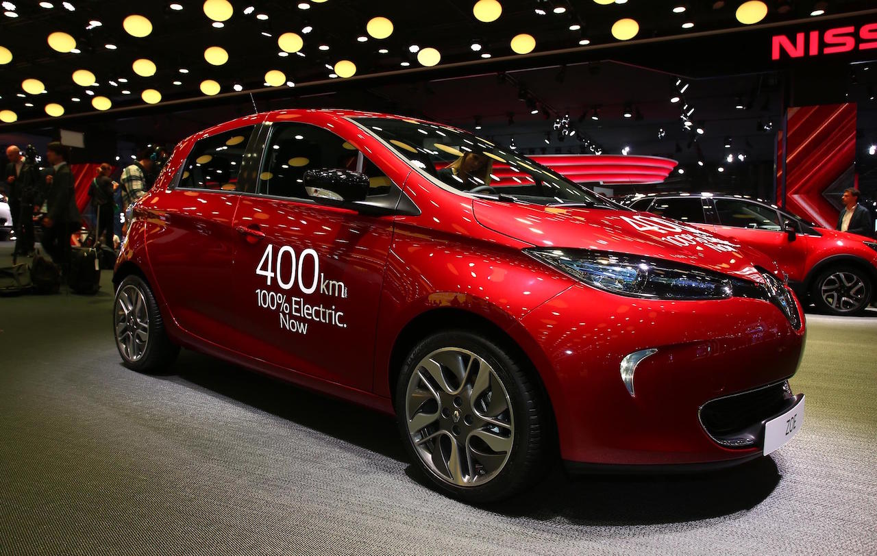 BMW I3 Battery Upgrade >> Renault Zoe ZE 40 unveiled at Paris Motor Show, 400km ...