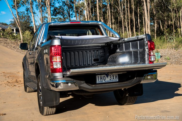 2017-holden-colorado-ltz-space-cab-tray