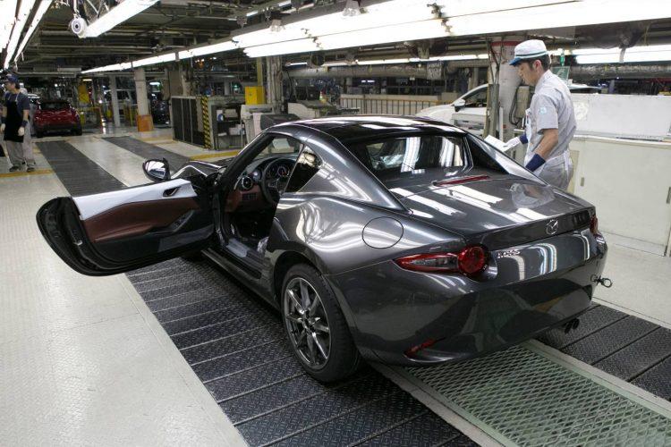 2017-mazda-mx-5-rf-production-rear