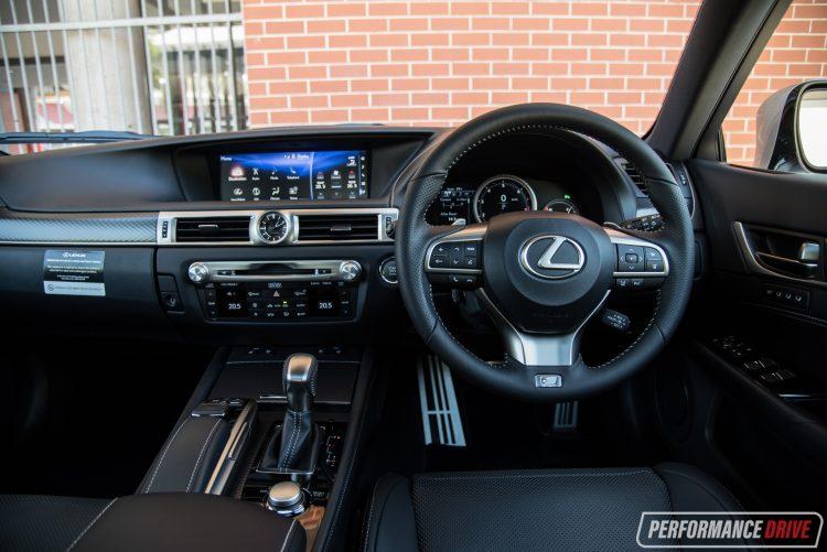 2016-lexus-gs-350-f-sport-dash