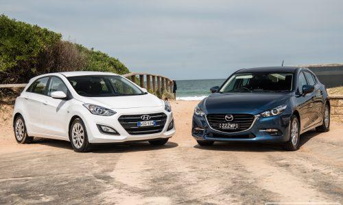 2017 Mazda3 vs Hyundai i30: Small car comparison (video)
