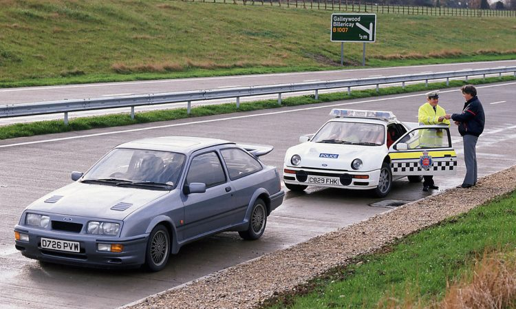 uk-police-ford-rs200