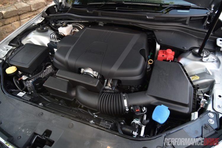2016-holden-commodore-sv6-engine-1