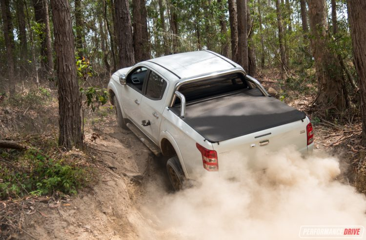 2016-mitsubishi-triton-exceed-dirt-dust