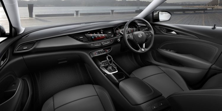 2018-holden-ng-commodore-interior