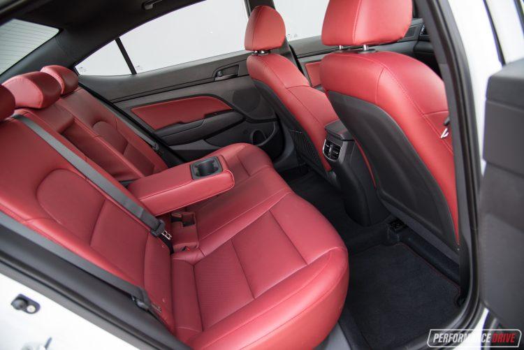 2017-hyundai-elantra-sr-rear-seats