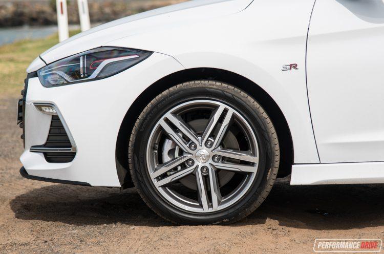 2017-hyundai-elantra-sr-wheels