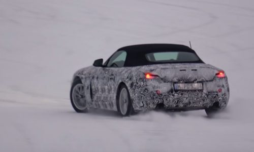 2018 BMW Z5 spotted playing in snow, nice engine sound (video)