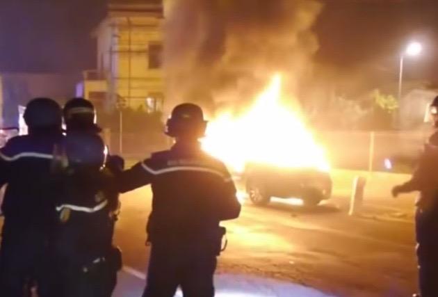 france-car-fire-nye-2017