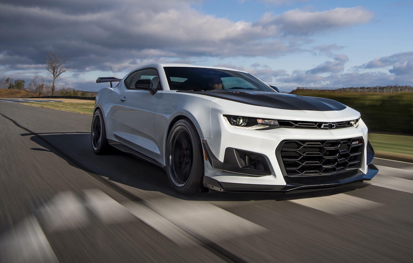 2017 Camaro For Sale >> 2018 Chevrolet Camaro ZL1 1LE announced, most track-capable ever | PerformanceDrive