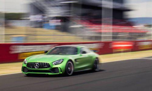 Mercedes-AMG GT R sets production car lap record at Bathurst