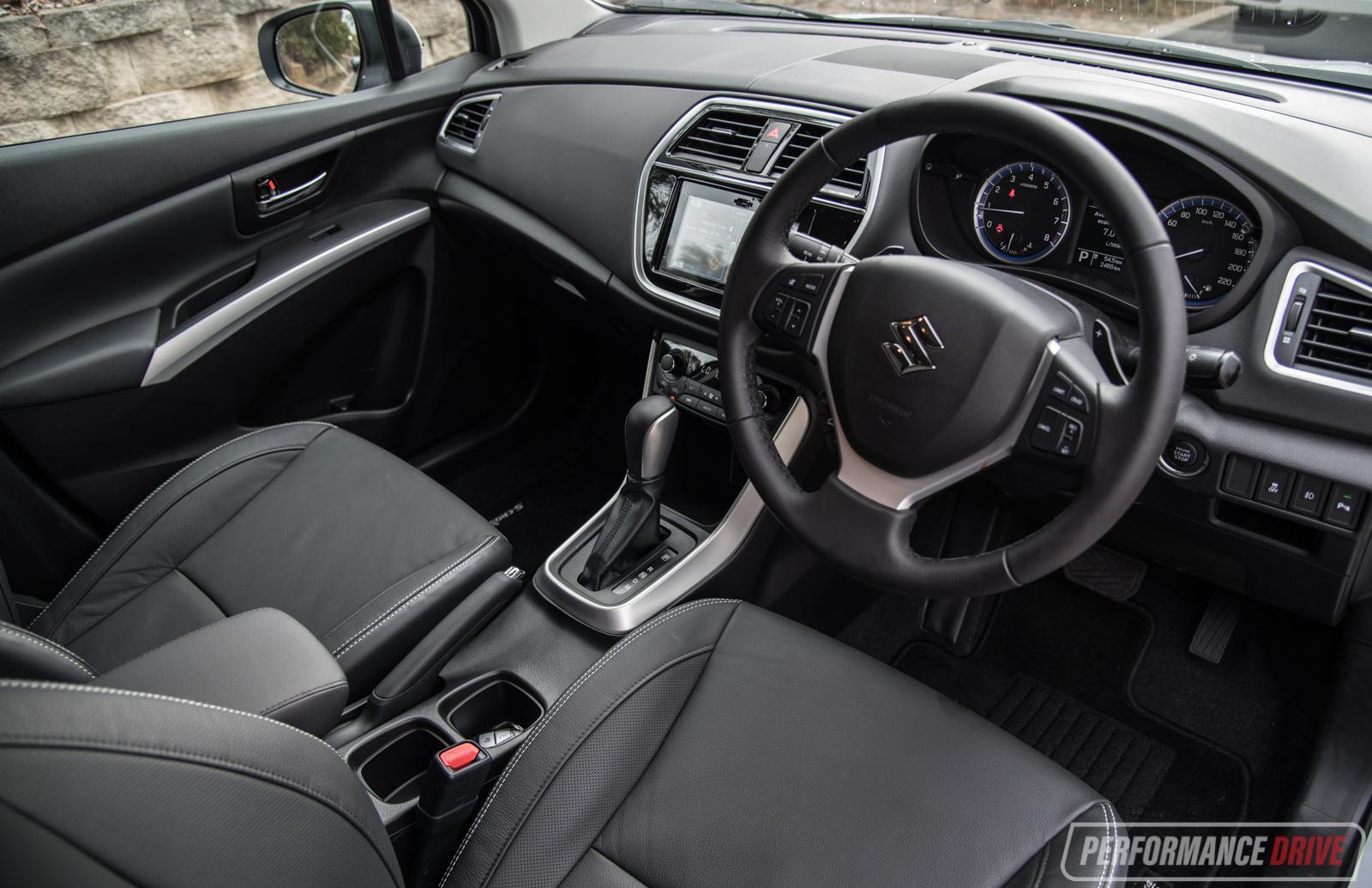 Suzuki Sx4 S Cross 2018 >> 2017 Suzuki S-Cross Turbo review (video) | PerformanceDrive