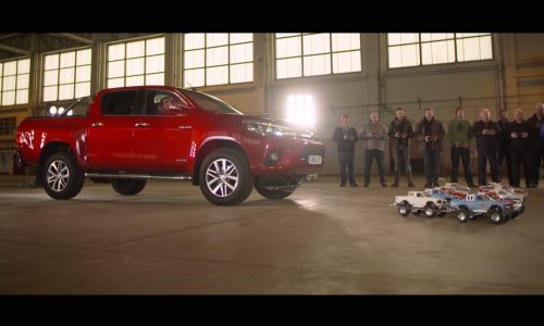 Video: RC toy Toyota HiLuxs tow full-size HiLux to recreate ad