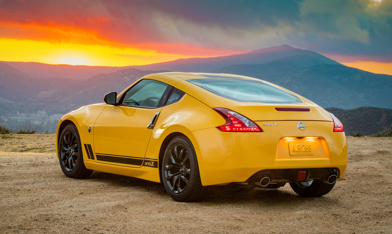 Nissan 370Z Heritage Edition celebrates Z car 50th ...