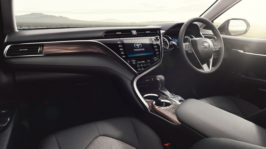 2018 Toyota Camry unveiled in JDM-spec, with TRD ...