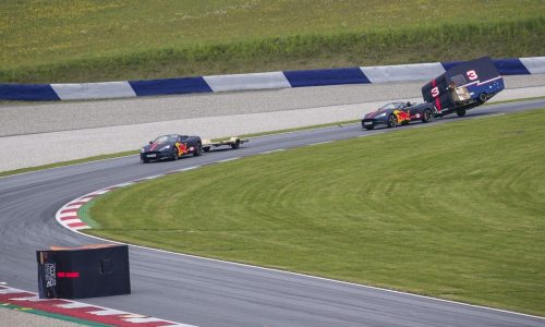 Aston Martin Vanquish caravan race with Ricciardo & Verstappen (video)