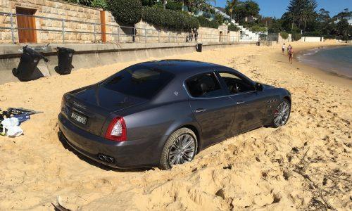 Maserati Quattroporte gets bogged on Sydney beach