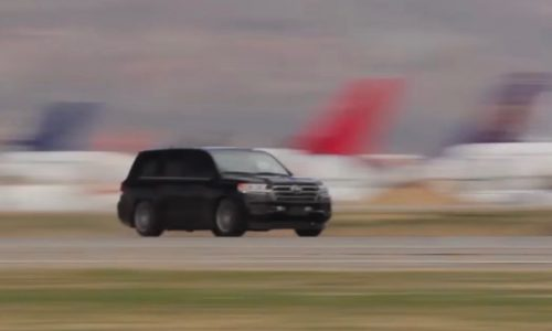 2000hp Toyota LandCruiser tops out at 370km/h, fastest in the world (video)