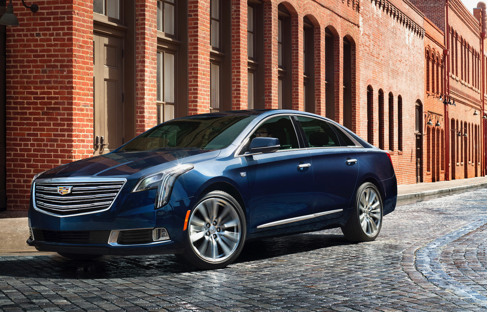 2018 Cadillac XTS revealed, V-Sport gets 306kW twin-turbo ...