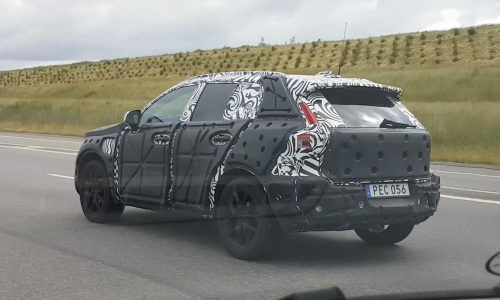 Volvo XC40 spotted, could feature new T5 Twin Engine (video)