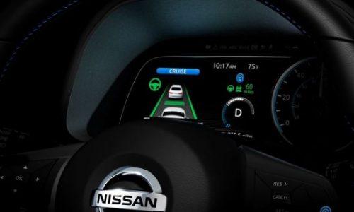 2018 Nissan LEAF previewed; interior, ProPilot (video)