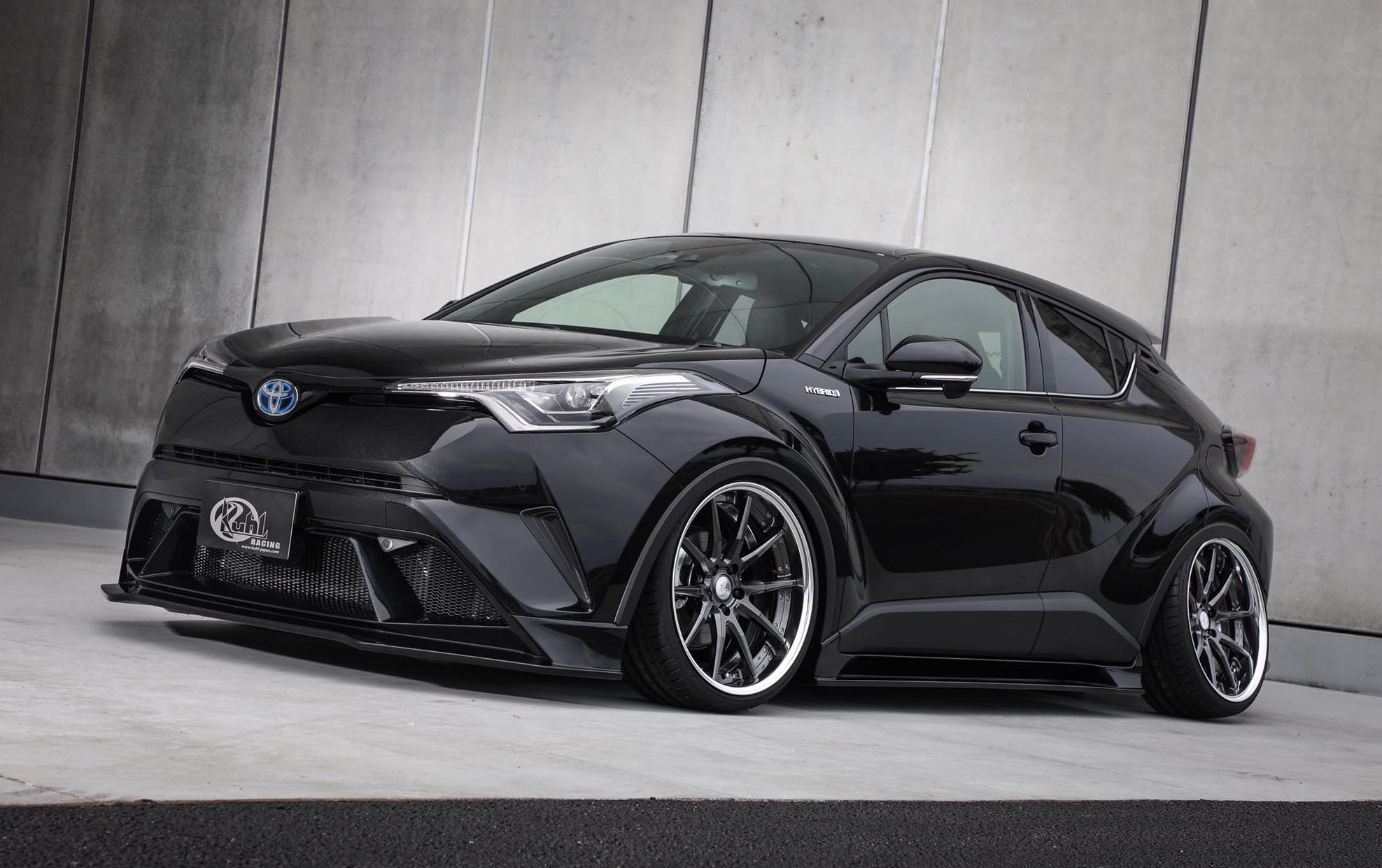 toyota c hr shows off tuning side with kuhl racing bodykit performancedrive. Black Bedroom Furniture Sets. Home Design Ideas