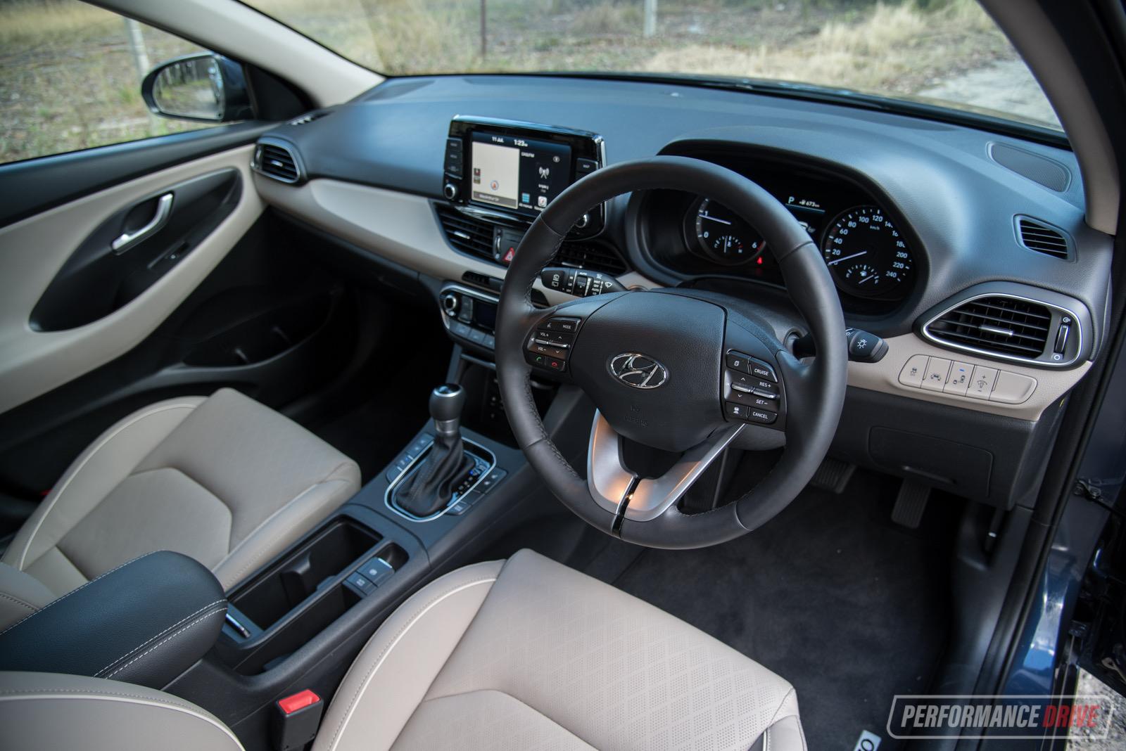 2018 Hyundai i30 Premium diesel review (video ...