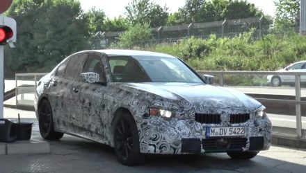 2019 BMW 3 Series G20 spotted, to adopt CLAR platform (video)