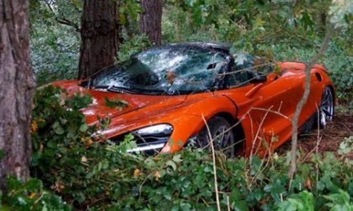 First McLaren 720S crash in Belgium ends in the bush