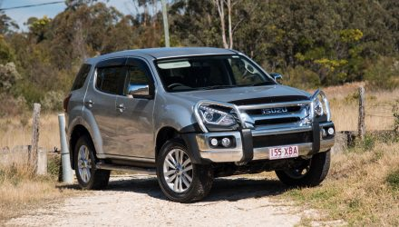 2017 Isuzu MU-X LS-U review (video)