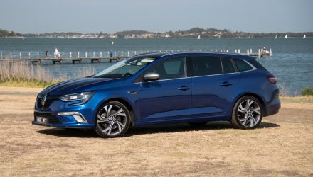 2017 Renault Megane GT wagon review (video)