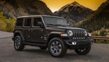 2018 Jeep Wrangler revealed in 2-door & 4-door form